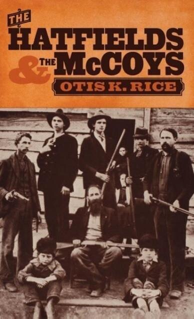 The Hatfields and the McCoys als Buch (gebunden)