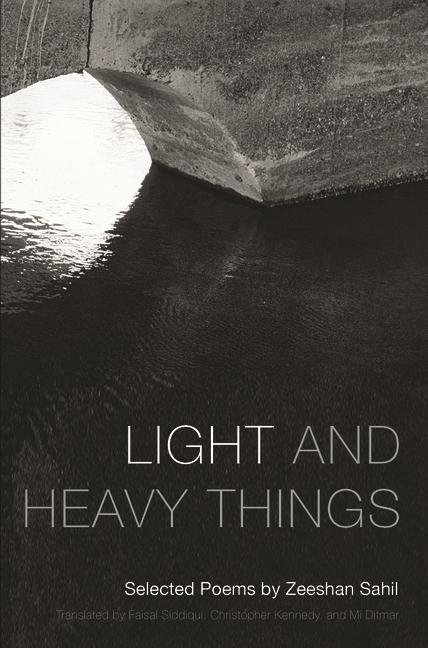 Light and Heavy Things: Selected Poems of Zeeshan Sahil als Taschenbuch