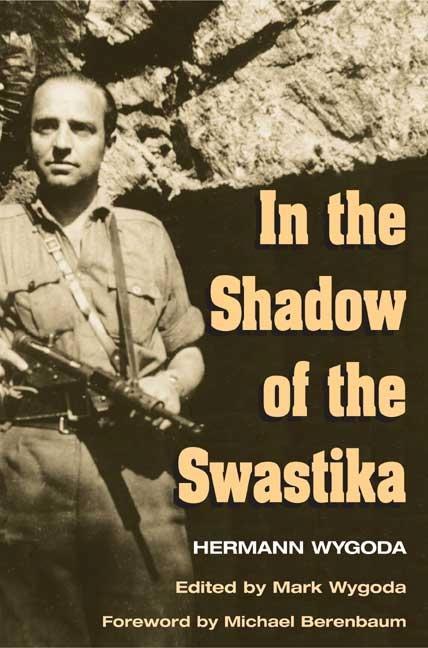 In the Shadow of the Swastika als Taschenbuch