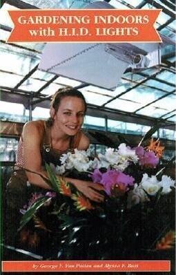 Gardening Indoors with HID Lights als Taschenbuch