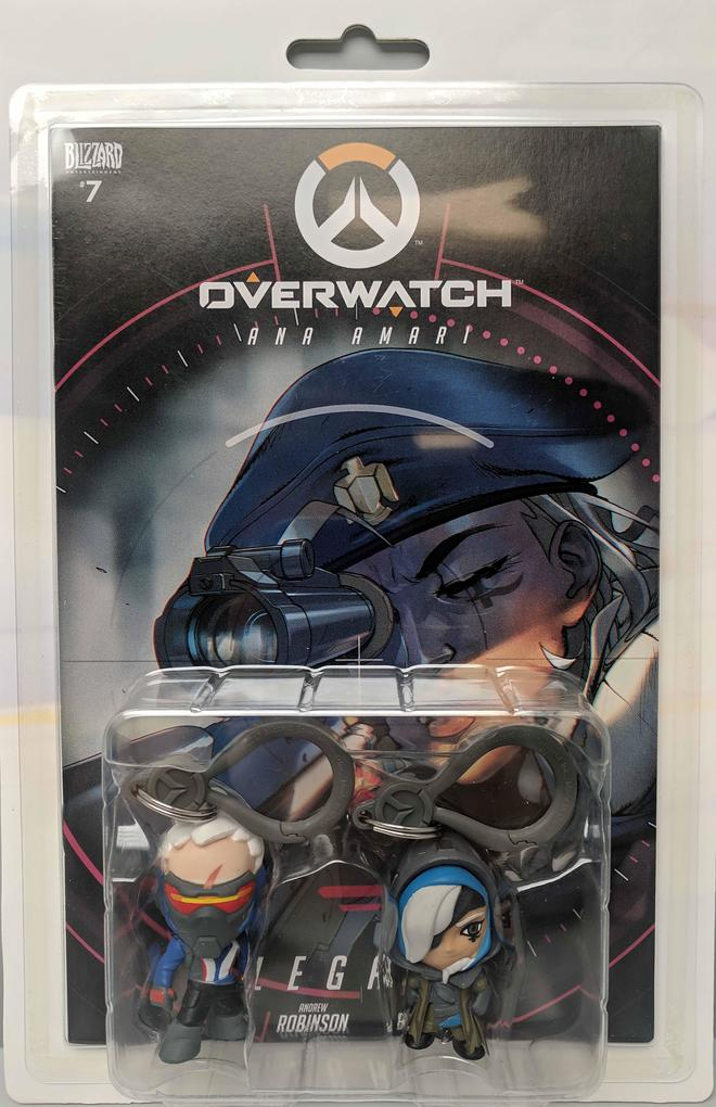 Overwatch Ana and Soldier 76 Comic Book and Backpack Hanger Two-Pack als Buch (gebunden)