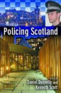 Policing Scotland als Taschenbuch